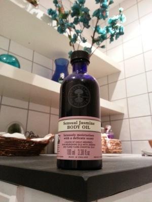 Obvious beauty - Neals Yard Jasmine Oil