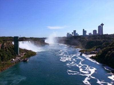 Niagara Falls, crossing the border